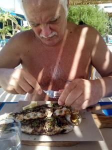 Pensionati italiani che hanno scelto di vivere all'estero : Tunisia Un pranzo ad Hammamet